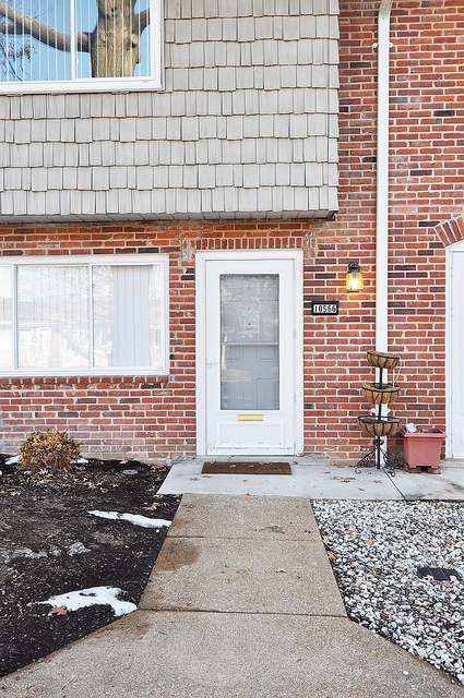Townhome in Lindbergh Schools $93,000  3 bdrms/1.5 bth