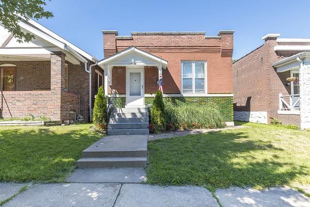 4139 Walsh Street St Louis MO 63116 – Beautiful Bungalow in Bevo