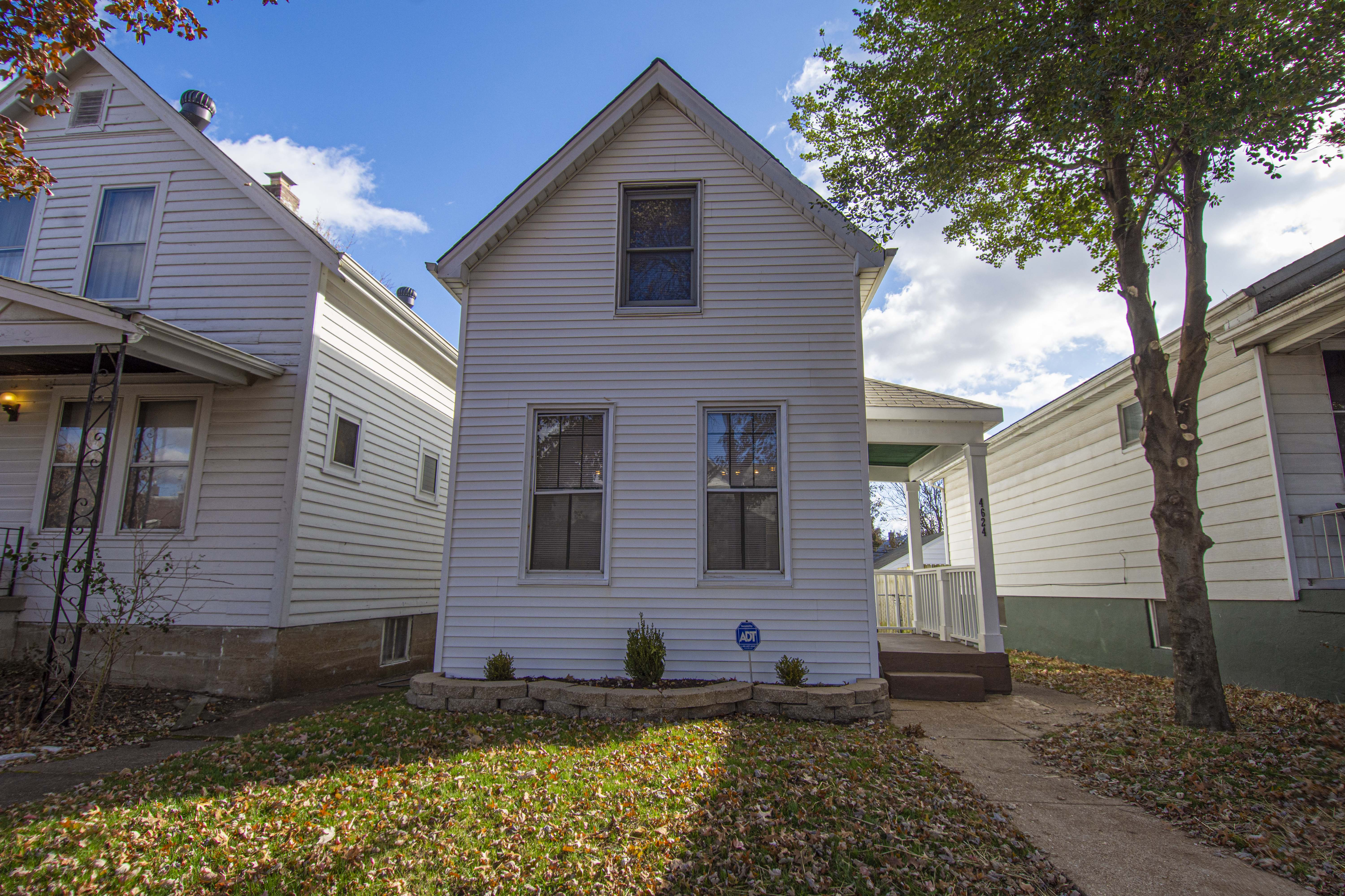 4624 Adkins St Louis MO 63116 Bevo Neighborhood 3 bdrm / 1 ba