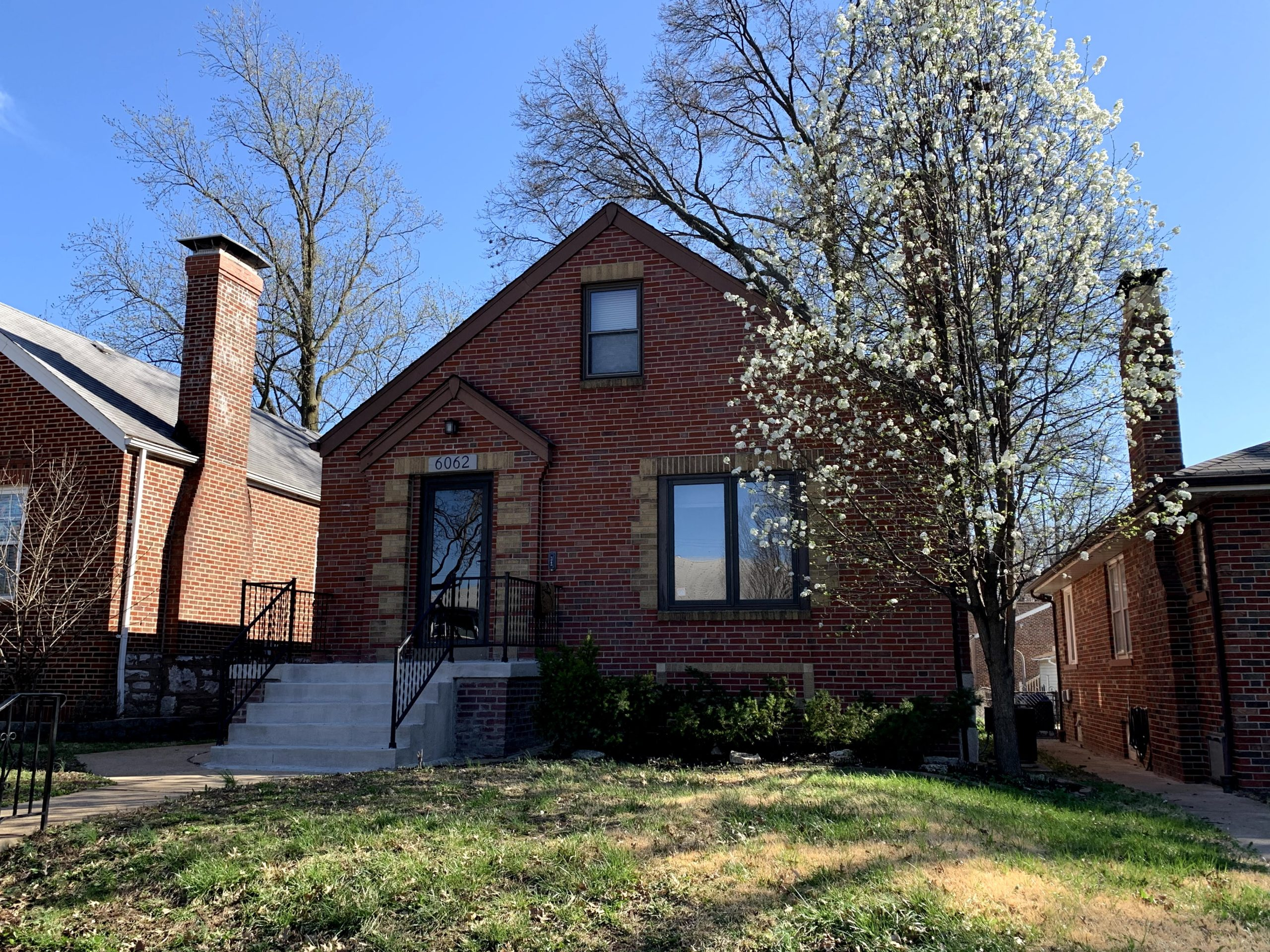 6062 Sutherland Ave St Louis MO 63109 / St Louis Hills