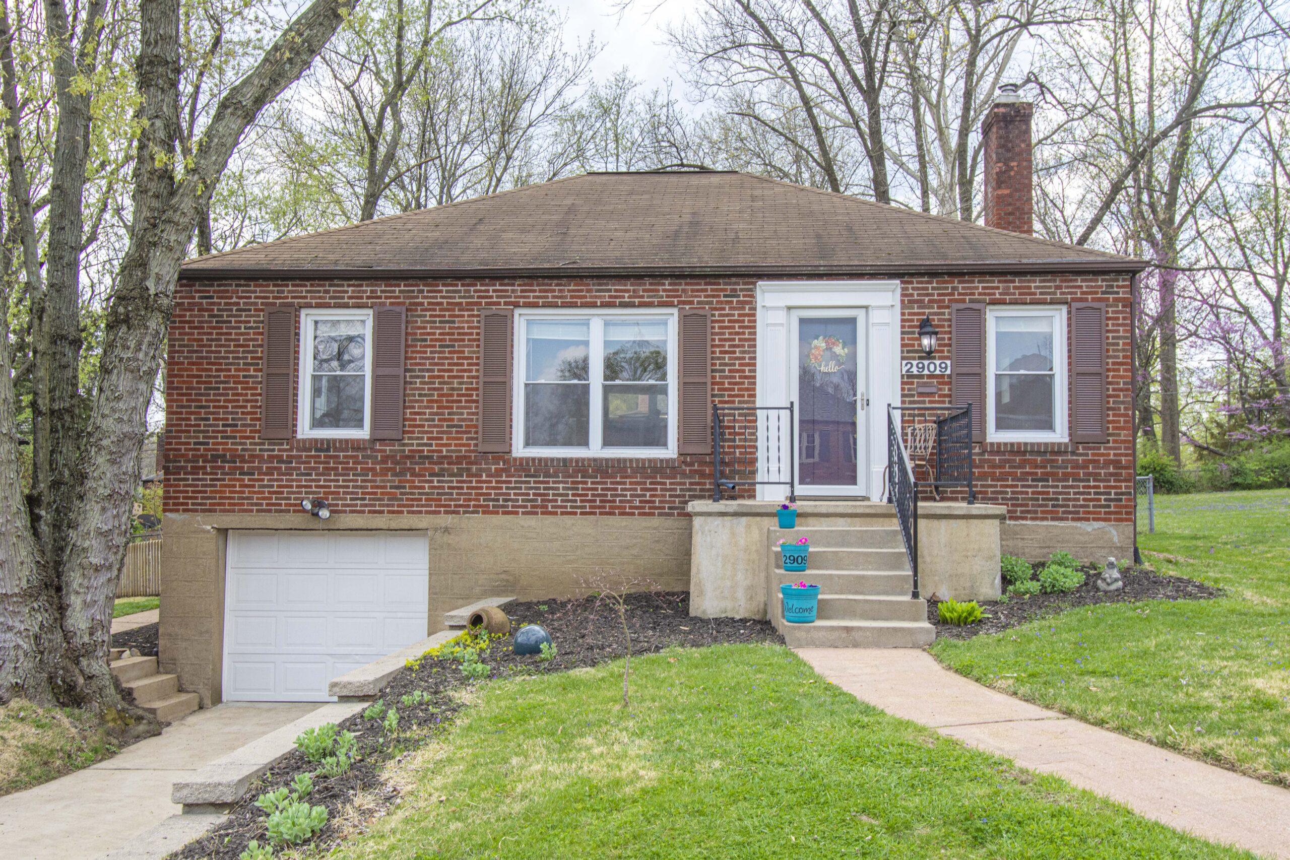 2909 Wingate Ct St. Louis MO / Rock Hill Neighborhood